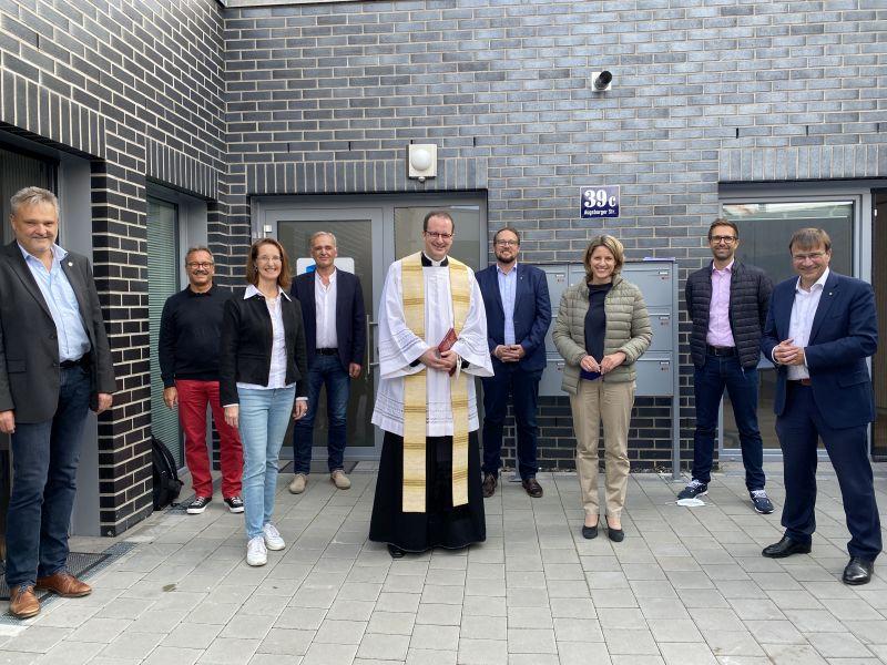 Segnung der neuen Außenwohngruppen des Kinderzentrums St. Vincent