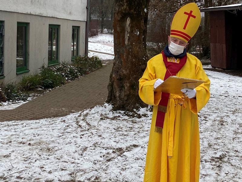 Der Nikolaus kommt in die Schule!